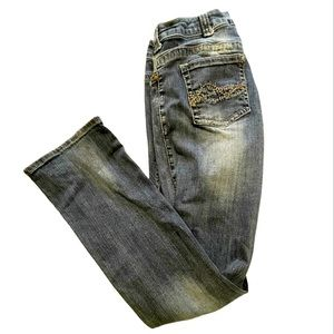 Cowgirl Tuff co. Jeans size 32 37